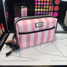 secret pink stripes large zip vs bow