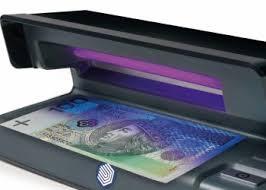 Znalezione obrazy dla zapytania: kasjer walutowy