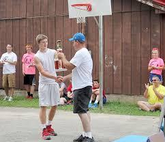 Fundraiser a slam dunk | Local | hoosiertimes.com