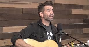 Aaron Shust   'O Come, O Come Emanuel' (acoustic) – CCM Magazine