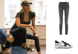 Ladies of London: Adela King`s Skinny Jeans and Sneakers | Your ...
