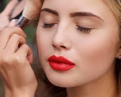 contouring highlighting makeup