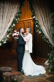 rustic winter wedding at vinewood