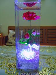 Sắc màu đêm - Vẻ đẹp tiềm ẩn của hoa tươi - Đèn led viên màu trắng chống  nước trang trí trong lọ hoa