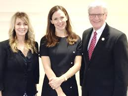 Governor Phil Bryant, Dr. Laurie Smith Meet with Actress Jennifer ...