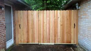 What S The Best Fence For My Yard Angie S List