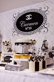 Cumpleanos Estilo Coco Chanel Fiesta Chanel Decoracion De
