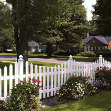 Beautiful White Picket Fence No Wonder Everyone Dreams Of Having One Backyard Fences Vinyl Picket Fence Fence Landscaping