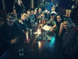 PHOTO: THE MAZE RUNNER Cast Hanging Out – Fanspired