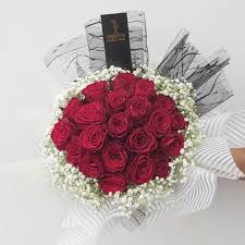 باقة ريد برنسيس زهرة لاريس Lares Flower