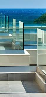 which glass pool fencing is right for