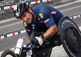 Alex Zanardi resta in gravissime condizioni all'ospedale di Siena