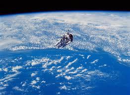 宇宙で宇宙飛行士 無料画像 - Public Domain Pictures
