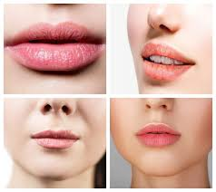 what are the first signs of lip cancer
