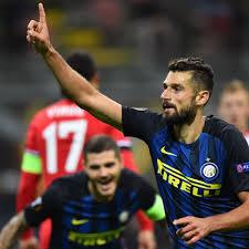 Southampton take fight to 10-man Inter but Antonio Candreva strike earns  spoils | Football