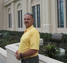 Athletic Director Hixon confronted gunman to protect students | Miami Herald