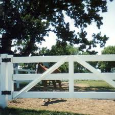 Pvc Gate Kit Ramm Horse Fencing Stalles In 2020 Pvc Gate Gate Kit Horse Fencing