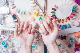 8 nail salon money saving hacks to get