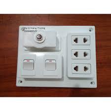 Bảng điện nổi 15A có 3 ổ cắm 2 công tắc LIOA B-CB15A2C, giá chỉ 50,086đ!  Mua ngay kẻo hết!