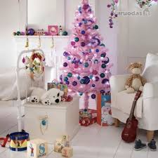 10 Lovely Christmas Decorating Ideas For Kids Bedroom