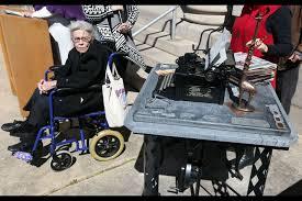 Virginian-Pilot columnist Ida Kay Jordan honored with First Amendment  sculpture in Portsmouth - The Virginian-Pilot - The Virginian-Pilot