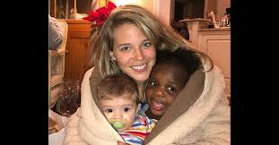 Pre-Grammys, Thomas Rhett's wife Lauren cuddles with daughter Ada James |  Rare Country