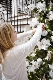christmas tree decorating like a pro