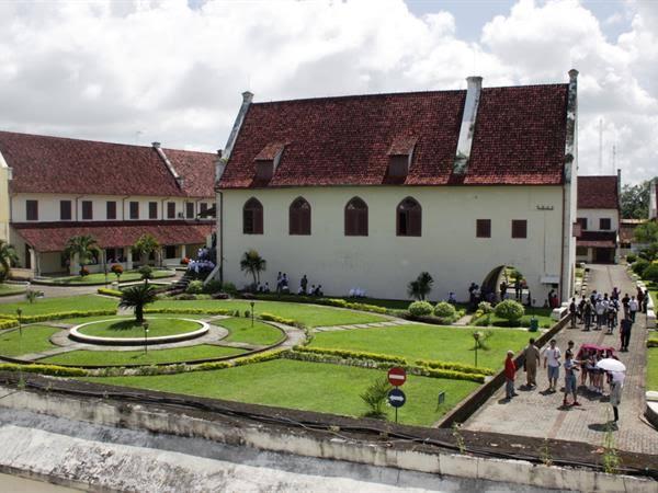 Hasil gambar untuk benteng rotterdam