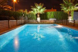18 Inventive Pool Fence Ideas For Residential Homes