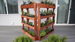 how to make a vertical pallet garden