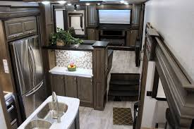 front living fifth wheel rv