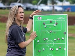 Dos 16 times do Brasileirão Feminino, dois têm treinadoras - Esportes -  Estadão