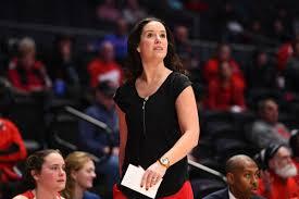 Dayton women's basketball coach Shauna Green maintains ties to ...