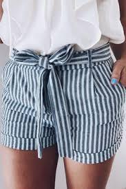 Resultado de imagen de fotos de ropa azul y blanca tumblr