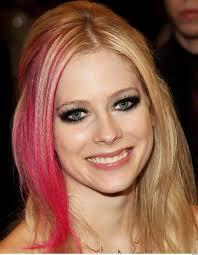 look like avril lavigne eye makeup