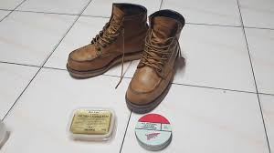 cleaning polishing oil tanned leather