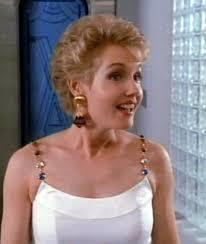 Lil' Blonde Darling: Ann Gillespie as Jackie Taylor!   Frisure