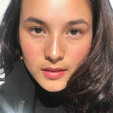 make up fake freckles ala meghan markle