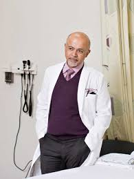 Abraham Verghese reflects on the importance of listening and the role of  technology in medicine - Scope