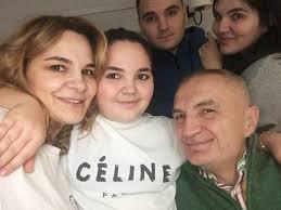 Ilir Meta - Në këtë ditë të parë të 2018 uroj më shumë... | Facebook