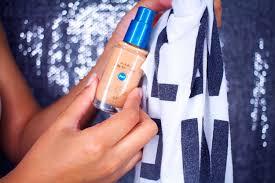 remove liquid makeup sns from carpet