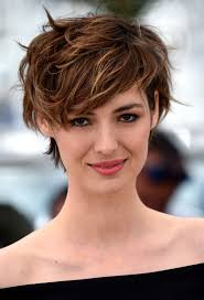 Summer S Hottest New Haircut How To Pull It Off Fryzury