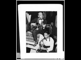 Floyd Smith Combo Floyd's Guitar Blues (HY-TONE 29) (1946) - YouTube