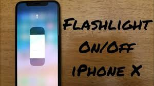 how to turn flashlight on off iphone x