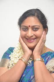 tamil actress deepa unnimary in silk