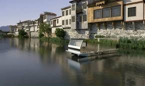 europe in homemade houseboats