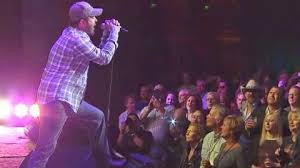 Aaron Lewis Packs A Punch With Red-Hot Cover Of Lynyrd Skynyrd's ...