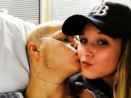 Teen with terminal cancer to marry high school sweetheart -