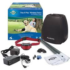 Petsafe Stay Play Compact Wireless Fence For Dogs And Cats From The Parent Company Of Invisible Fence Brand Above Ground Electric Pet Fence Walmart Com Walmart Com