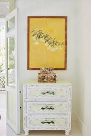 how to hang pictures on walls house